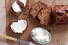 Whole-Wheat Date Nut Bread Nut Bread Recipe, Bread Recipes, Date Nut Bread, Quick Bread, Pecan, Banana Bread, Treats, Baking, Bakken