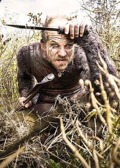 Floki on History's Vikings. Fave on Vikings. Vikings Show, Vikings Tv Series, Vikings Actors, Floki, Ragnar Lothbrok, Viking Life, Viking Warrior, Lagertha, Bracelet Viking