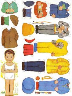 """un adorable petit garçon avec ses jolis costumes... voici de quoi combler le manque de poupées """"au masculin""""..."""