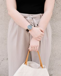 A simple canvas tote will match any outfit. Canvas Tote Bags, Simple Designs, Must Haves, Classic Style, Outfits, Collection, Fashion, Simple Drawings, Moda