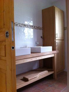 Établi en platane double vasque revisité et colonne de rangement salle de bain