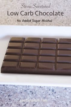A sugar free chocolate recipe made with stevia. It contains no added sugar alcohol. It uses natural sweeteners along with cocoa butter and unsweetened cocoa. Stevia Chocolate, Homemade Chocolate Bars, Chocolate Bar Recipe, Unsweetened Chocolate, Low Carb Chocolate, Sugar Free Chocolate, Chocolate Car, Making Chocolate, Homemade Candies