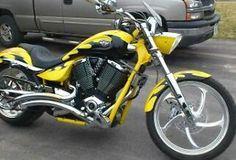 Victory Motorcycles jackpot 2006 yellow tribal | 2006 Victory Vegas image0