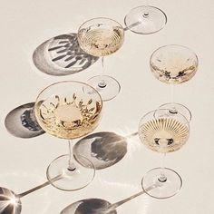 Elegante champagneskåler i krystall fra Waterford! 〰 〰 #waterford #waterfordcrystal #krystallglass #kvalitet #champagne #champagneskål  @vinodirect @agentsorgenfri