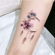 Foot Tattoos: first, Try to try out Tattoos foot – topnailsar. tattoos diy tattoo images - Foot Tattoos: Try first Tattoos to try out the foot topnailsar tattoos You are in the right p - Mini Tattoos, Flower Tattoos, New Tattoos, Body Art Tattoos, Small Tattoos, Tatoos, Delicate Flower Tattoo, Diy Tattoo, Get A Tattoo
