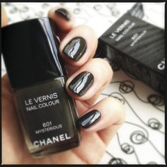 PFR Design Inspired Living is head over heels for this Fall 2013 nail polish_Chanel Mysterious.