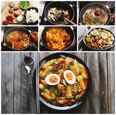 "lovesouthkorea: "" Tteokbokki (떡볶이) by 黑貓小子 """