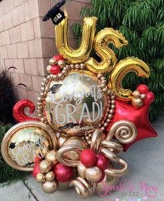 Balloon Arch Diy, Balloon Display, Balloon Columns, Balloon Bouquet, Birthday Balloon Decorations, Graduation Decorations, Birthday Balloons, Outdoor Graduation Parties, Graduation Balloons