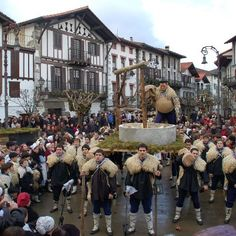 Carnavales de #Navarra  #TurismoNavarra    Más Información   de #TurismoRural y del #TurismoNavarra    y #Navarra http://www.casaruralnavarra-urbasaurederra.com/   http://nacedero-rio-urederra.blogspot.com.es/ http://navarraturismoynaturaleza.blogspot.com.es/