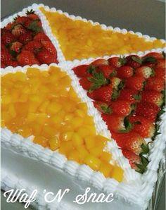 Torta fria de frutas Easy Cake Decorating, Cake Decorating Techniques, Cookie Cake Designs, Flan Cake, Fresh Fruit Cake, Cake Recipes, Dessert Recipes, Cake Shapes, 50th Cake