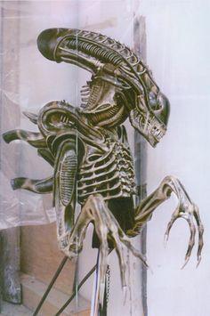 Aliens-they kinda still do. Art Alien, Alien Film, Alien 1979, Giger Alien, Hr Giger, Creature Feature, Creature Design, Science Fiction, Predator Alien