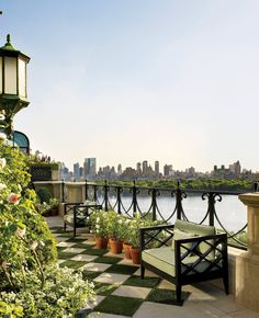 Bette Midler's Manhattan penthouse: a Fifth Avenue stunning home overlooking Central Park