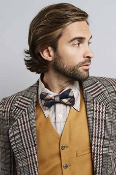 Catalogue of hair products for men to keep your hairstyle in check. Browse our list of the best stylers and pick out your front-runner. Frizzy Hair Men, Wavy Hair Men, Curly Hair Updo, Hairstyle Short, Mens Hair Medium, Hairstyle Man, Undercut Hair, Hairstyle Hacks, Cool Hairstyles For Men