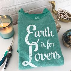 "505 gilla-markeringar, 11 kommentarer - SuperLoveTees® ❥ (@superlovetees) på Instagram: ""Earth bound and loving this sweet, pretty place. 🌏🌴🌱✨💛"""
