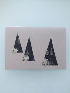 Handmade Christmas Card with Pressed Daises and Dark Blue Paper- Bubble £3.00
