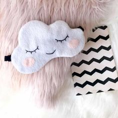 Cloud sleep mask Baby shower Cute Funny Eye Mask Kawaii Soft Gift - On My Block Felt Crafts, Kids Crafts, Diy And Crafts, Mason Jar Crafts, Mason Jar Diy, Sewing Projects, Diy Projects, Kawaii, Diy Mask