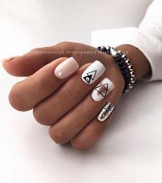 White And Silver Nails, Silver Nail Art, Stylish Nails, Trendy Nails, Cute Nails, Cute Nail Art, Short Square Nails, Short Nails, Best Acrylic Nails