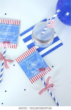 Make An Easy Parade Shaker + Let Freedom Ring Free Printable