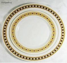 Gold plastic plates & 01048 7.25 Inch Mist Ivory Gold Plastic Salad Plates | doctor who ...