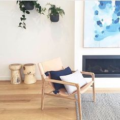 The holiday season may be over but #treatyourself days can happen anytime during the year There's lots of reasons to spoil yourself over on @designmilkeveryday, like this #leatherchair by @mrd_home that will get better with age. \\\ Photo and design by @simpli_interiors