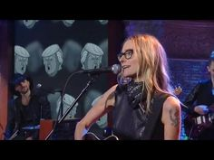 Aimee Mann Performs 'Can't You Tell' - YouTube