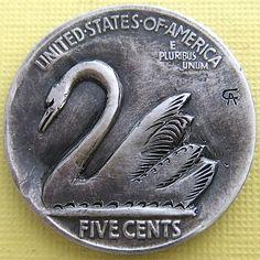 ALAN CHERNOMASHENTSEV HOBO NICKEL - SWAN - 1936 BUFFALO NICKEL REVERSE CARVING Hobo Nickel, Coin Art, Coin Jewelry, Swan, Coins, Carving, Skulls, Buffalo, Birds
