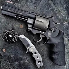 S & W 329 .44 Magnum with Black Talon loaded speed loader
