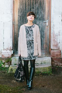 Coline, cute dress and boots