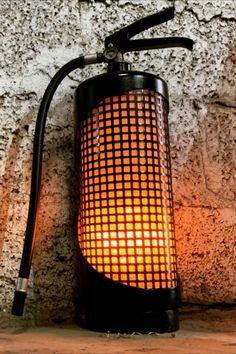 How I Turned a Fire Extinguisher Into a Decorative Fireplace Metal Art Projects, Welding Projects, Diy Fireplace, Decorative Fireplace, Car Part Furniture, Real Fire, Creation Deco, Pipe Lamp, Custom Lighting