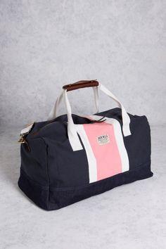 The Raynsford Barrel Bag from Jack Wills Popular Purses, Trendy Purses, Cute Purses, Blue Handbags, Satchel Handbags, Purses And Handbags, Handbags Online, Handbags On Sale, Barrel Bag