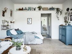Screen Shot at Small Space Living, Small Spaces, Living Area, Living Spaces, One Room Apartment, Apartment Layout, Studio Decor, Home Interior, Interior Design