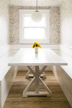 Built-in breakfast nook