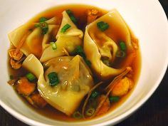 (Vegan) Homemade Broth and Wonton Soup | Michelle's tiny kitchen