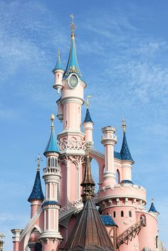 Going to try and visit this in Paris, my goal is to visit each and every Disney park world wide :)