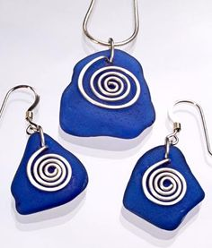 cobalt is my favourite beach glass colour - love this set