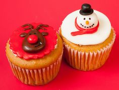 Rudolph and Snowman Cupcakes | Cute Cupcakes | CutestFood.com