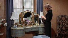 roman spring of mrs.stone - bedroom vanity