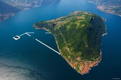 The floating piers Iseo lake