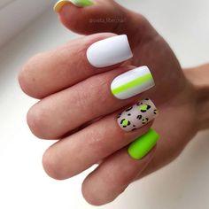 Semi-permanent varnish, false nails, patches: which manicure to choose? - My Nails Short Square Nails, Short Nails, Long Nails, Square Nail Designs, Short Nail Designs, Fall Nail Designs, Nail Art Arabesque, Wedding Nail Polish, City Nails