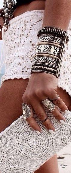↣✧❂✧ TatiTati Style ✧❂✧↢ See more http://www.tatianaandrade.com