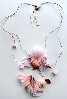 Necklace    Lyndie Dourthe.  http://lyndiedourthe.monsite-orange.fr