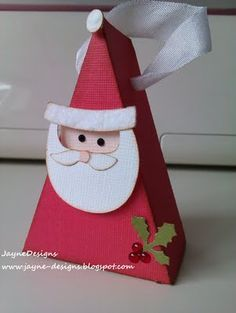 Santa Box- Tags,Bags,Boxes and More and Doodlecharms #Cricut