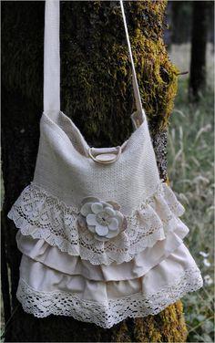 Cute lace purse :)