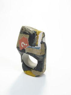 Fabrizio Tridenti- anello/ring 2009 -cardboard, paper, resin, pvc.