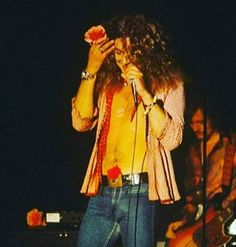 Robert Plant Young, Robert Plant Led Zeppelin, Epic Pictures, Just Beautiful Men, My Baby Daddy, Jimmy Page, Pearl Jam, Female Singers, Old Photos