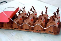 Piccole renne deliziose con i cartoni delle uova!