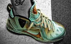 outlet store 760af 3d21a Nike LeBron 9 Elite Statue of Liberty Custom By Mache (Dude, forget mens  shoes! I would wear the heck outta these!