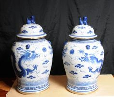 Pair Blue White Kangxi Chinese Porcelain Jars Vases Urns