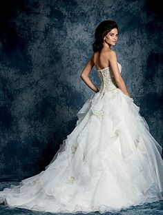 A Gorgeous Bride Wearing A Full Length, Ball Gown Silhouette, Classic Wedding Dress With A Ruffled Skirt And Lace Detailing. Wedding Dresses Photos, Wedding Bridesmaid Dresses, Wedding Dress Styles, Designer Wedding Dresses, Bridal Dresses, Gown Wedding, Ball Dresses, Ball Gowns, Unconventional Wedding Dress