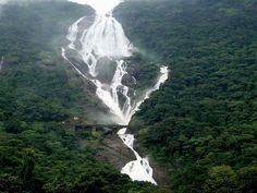 Индийский водопад Дудхасагара